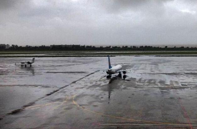 """台风""""威马逊""""来袭 珠海机场取消11航班"""