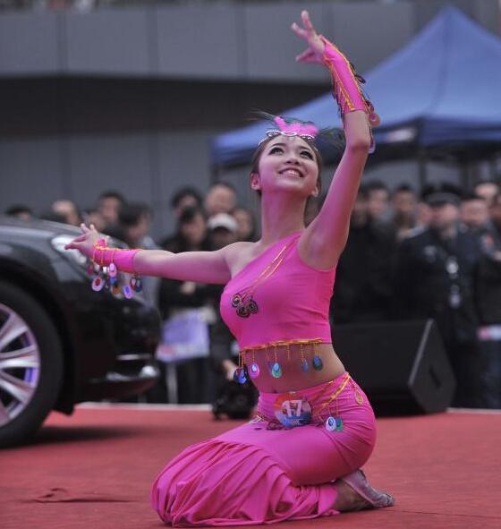 """2014亚洲汽车模特大赛重庆赛区复赛模特展才艺"""""""