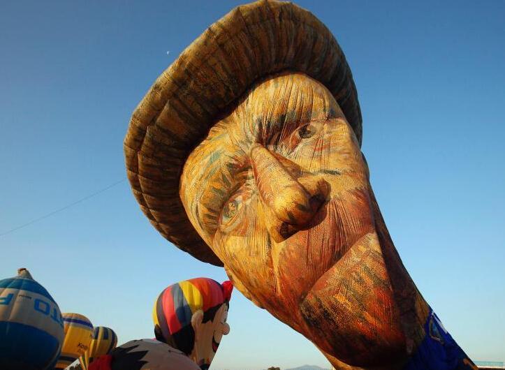 """菲律宾热气球嘉年华 热气球造型各异吸人眼球"""""""