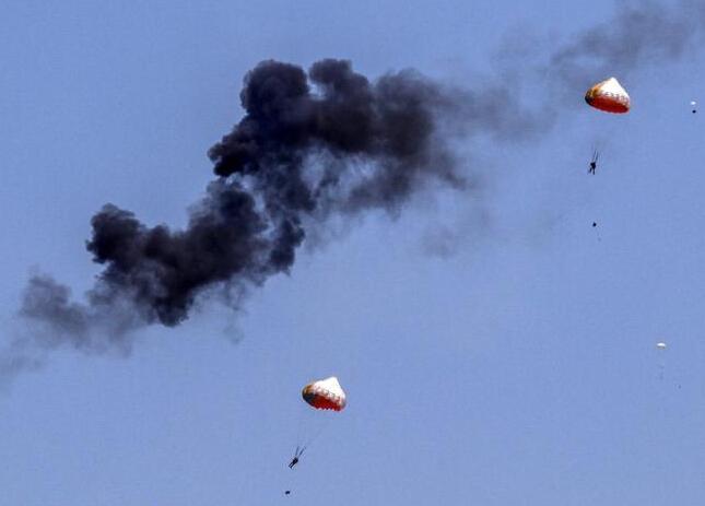 印尼两架飞机在大马国际海空展上相撞坠毁
